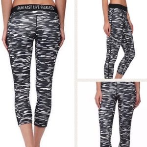 Nike Printed Relay Camo Crop running tights